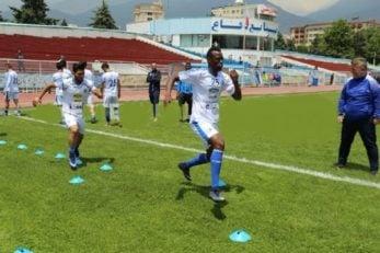 تیام مهاجم سنگالی به تمرینات گروهی استقلال بازگشت تیام مشکلی برای بازی برگشت برابر ذوب آهن ندارد و استقلال با حضور او می تواند شکست یک بر صفر دور رفت را جبران کند و راهی مرحله یک چهارم نهایی لیگ قهرمانان آسیا شود.