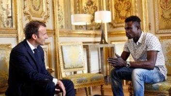 مرد عنکبوتی کلیپی از حرکت شجاعانه ی ممودو گاساما روی ساختمانی در فرانسه