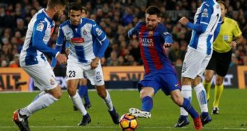 فوتبال ؛ نگاهی به برترین دریبل ها با حرکات فریبنده بدن بدون لمس توپ