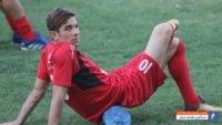 با جدایی فرشاد احمدزاده از تیم فوتبال پرسپولیس ، حالا باید منتظر ماند و دید شماره 10 این تیم در تن کدام بازیکن قرار خواهد گرفت.