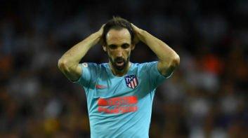 اتلتیکو مادرید در دیدار برابر وایکانو خوانفران مدافع تیمش را به دلیل مصدومیت از دست داد