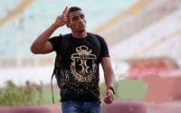 بعد از نقش آفرینی در قهرمانی استقلال خوزستان، فرناندو دخسوس دیگر هرگز آن بازیکن درخشان سابق نبوده است دخسوس در آستانه غضب کریمی بود که نجات یافت.