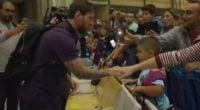 مسی ؛ کلیپ باشگاه بارسلونا از دیدار لیونل مسی ستاره آرژانتینی این تیم با هواداران