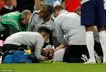 مصدومیت شدید لوک شاو و انتقال او به بیمارستان