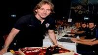 جشن تولد لوکا مودریچ در اردوی تیم ملی کرواسی