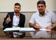 قرارداد ایمان سلیمی با حضور در هیئت فوتبال استان به ثبت رسید ایمان سلیمی با حضور در دفتر باشگاه قرارداد خود را به مدت ۴ فصل با باشگاه تراکتورسازی امضا کرد.