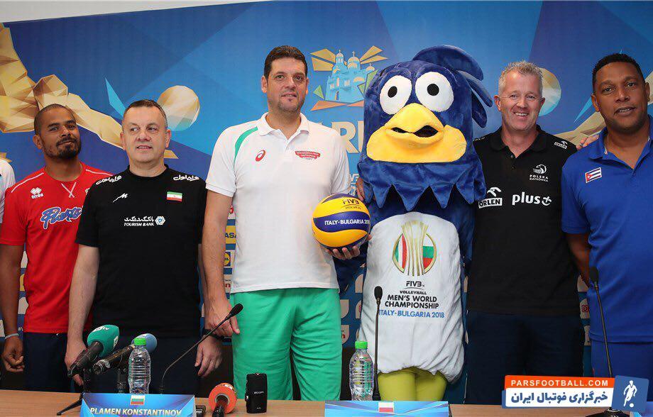 کولاکوویچ سرمربى تیم ملى والیبال گفت: ما باید با قلبمان بازی کنیم نه برای رفع تکلیف ایگور کولاکویچ گفت: شرایط محل مسابقه در وارنا بسیار عالی است.