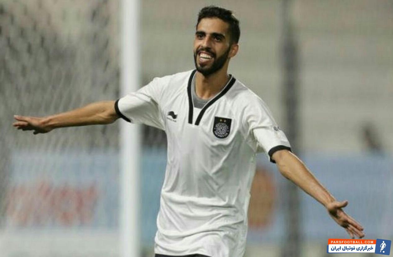 حسن الهیدوس هافبک طراح السد در نشست خبری بازی گفت:ما در این بازی نسبت به استقلال برتری داریم چون در ورزشگاه خانگیمان و در میان هوادارانمان بازی میکنیم.