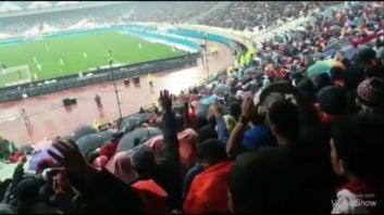 شعار کاشیما کاشیما هواداران تراکتور در ورزشگاه آزادی در دیدار برابر پرسپولیس