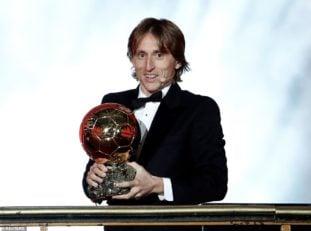لوکا مودریچ برنده توپ طلا 2018 و بهترین بازیکن سال از نگاه فرانس فوتبال