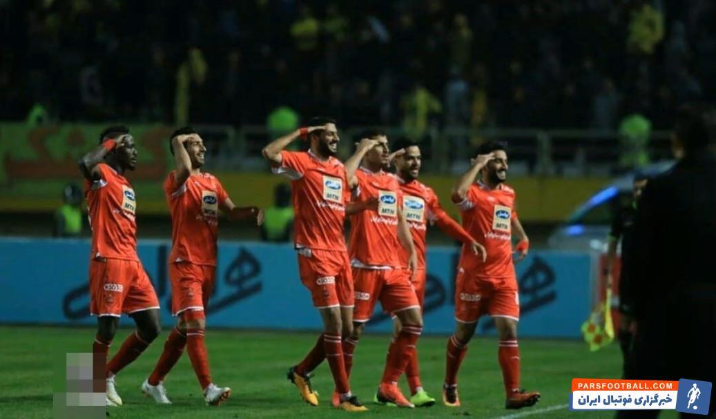 تقلید هواداران از احترام به برانکو
