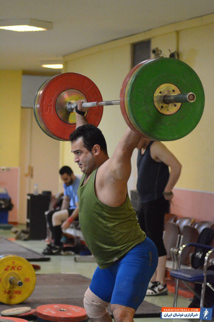 سهراب مرادی ستاره وزنه برداری ایران است سهراب مرادی با آغاز اردوی تیم ملی بار دیگر در قامت یک فوق ستاره منظم به عنوان اولین نفر در تمرینات حاضر شد.