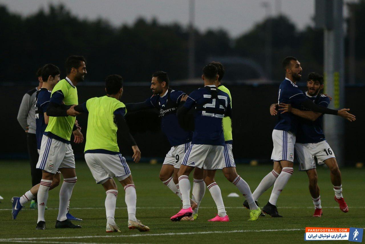 البته از این دست از عکس ها بارها و بارها از اردوی تیم ملی مخابره شده است. بی شک به این خاطر است که بازیکنان تیم ملی از تمرین لذت می برند.