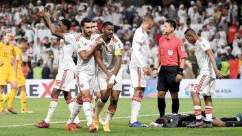 فارس جمعه کاپیتان تیم ملی امارات بعد از اتفاقاتی که در بازی مرحله یک چهارم نهایی این تیم برابر استرالیا رخ داد حالا به یک قهرمان برای کشورش بدل شده است.