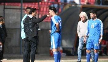 فرهاد مجیدی یکی از بهترین بازیکنان سال های نه چندان دور استقلال بود فرهاد مجیدی چند هفته ای است به عنوان مربی این تیم کار خود را شروع کرده است.