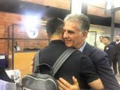 کارلوس کیروش سرمربی تیم ملی فوتبال ایران است کارلوس کیروش هنگام خداحافظی با بازیکنان در فرودگاه اشک در چشمانش حلق زد و گریه کرد.