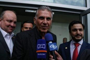 کیروش سرمربی سابق تیم ملی ایران وارد بوگوتا شد تا قراردادش با هدایت تیم کلمبیا را برعهده بگیرد استقبال چشمگیری از کیروش شد.