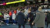 مائوریتسیو ساری سرمربی ایتالیایی چلسی است مائوریتسیو ساری در پایان بازی تیمش مقابل سیتی از شدت عصبانیت با پپ گواردیولا دست نداد.