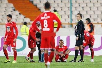 سیدجلال حسینی در صحنهای غیر قابل تصور برای هواداران با برانکارد زمین را ترک کرد تا عصبانیت بر سیدجلال حسینی و استرس در هواداران این تیم غلبه پیدا کند.