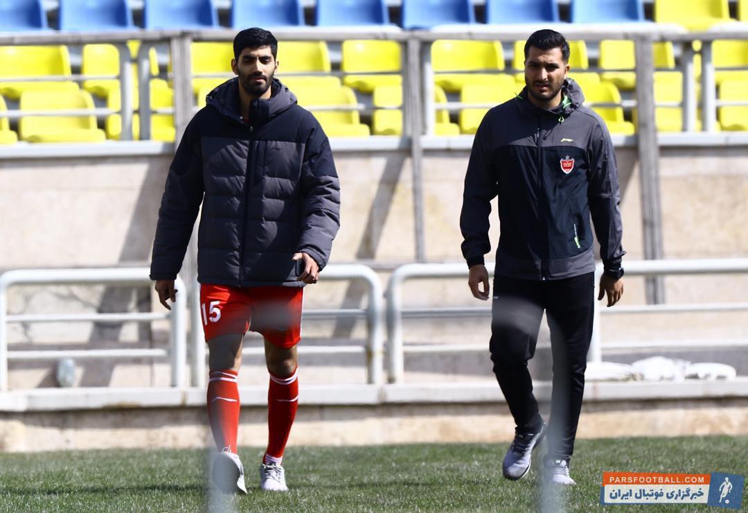 حسین ماهینی از امروز تمرینات با توپ را آغاز کرد و حالا پس از حسین ماهینی محمد انصاری باید به تنهایی تمرینات خود برای بازگشت به میادین را انجام دهد.