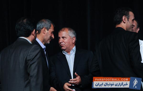 تصویری از حضور علی پروین و محمد مایلی کهن در تظاهرات انقلاب اسلامی سال 1357
