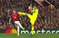 بوسکتس در شروع بازی یک خطای سنگین روی بازیکن یونایتد انجام داد ولی داور به بوسکتس کارت نداد اما در ادامه به دلیل خطا روی پل پوگبا از داور کارت زرد گرفت.