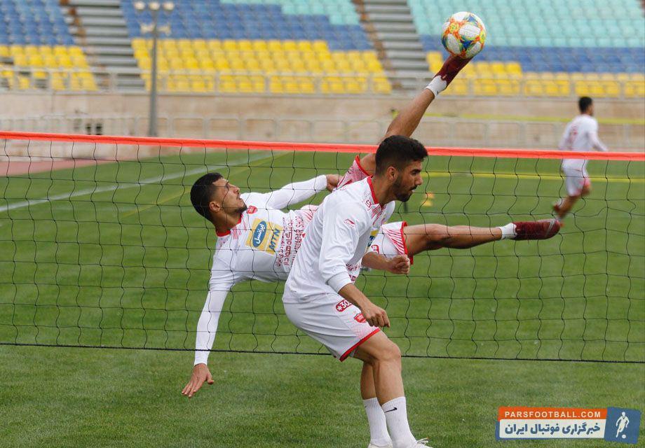 علی علیپور مهاجم گلزن تیم پرسپولیس امیدوار است در ۵ بازی اخیر تیم پرسپولیس به فرم خوب قبلی بازگردد و از شرایط فعلی فاصله گیرد.