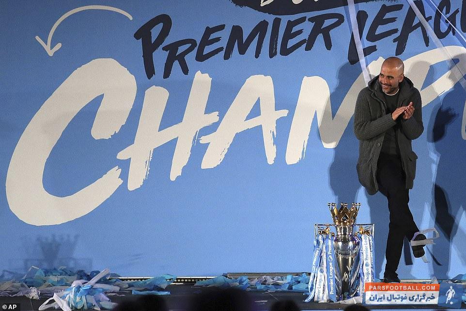 پپ گواردیولا مربی اسپانیایی برای دومین فصل پیاپی، منچسترسیتی را به عنوان قهرمانی لیگ برتر رساند گواردیولا به عنوان مربی فصل لیگ برتر انتخاب شد.