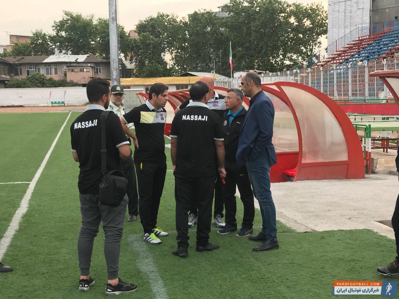 چالش ها و حواشی تیم نساجی حتی در آستانه آخرین بازی تیم در لیگ هجدهم ادامه دارد و مربی و سرپرست نساجی با مشکل ورود به ورزشگاه مواجه شدند.