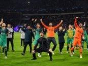 تصویری از شادی پوچتینو سرمربی تاتنهام و شاگردانش پس از شکست و آژاکس و صعود به فینال لیگ قهرمانان اروپا را مشاهده می کنید.