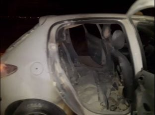 اتش زدن خودروی خبرنگاران در پایان دیدار سپاهان - پرسپولیس در اصفهان