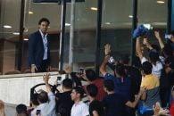 فرهاد مجیدی مرد محبوب آبی ها امروز و در اولین بازی تیم ملی با مارک ویلموتس و برای تماشای بازی ایران و سوریه در ورزشگاه آزادی حضور پیدا کرد.