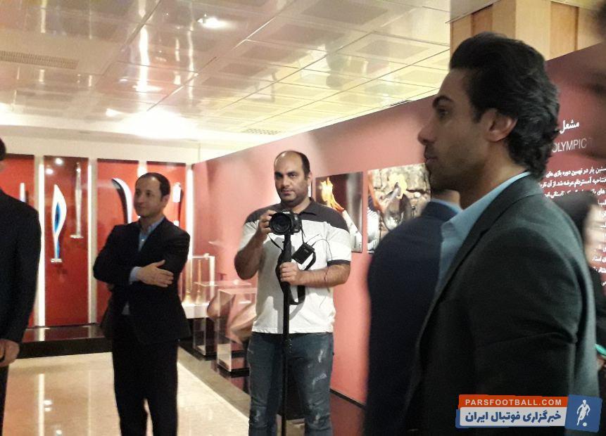 سیدحسن خمینی فرهاد مجیدی در کمیته ملی المپیک بود  فرهاد مجیدی که اخیرا از سوی فدراسیون فوتبال به عنوان سرمربی تیم امید انتخاب شده، در جریان بازدید از موزه حاضر بود.