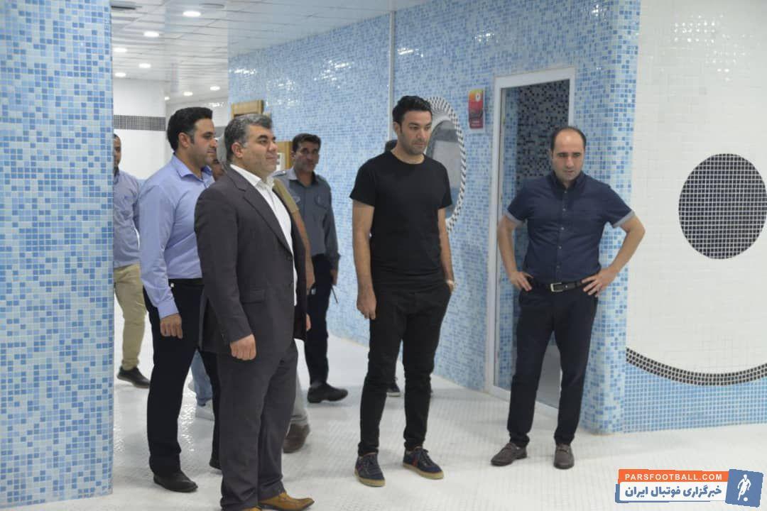 جواد نکونام سرمربی تیم فوتبال فولاد خوزستان در لیگ نوزدهم عصر به شهر اهواز رسید تا جواد نکونام  آماده شروع ماموریت جدید خود بشود.