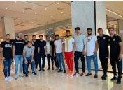 تیم ملی فوتبال کشورمان پس از برگزاری دیدار تدارکاتی مقابل کره جنوبی عازم ایران شد قبل از بازگشت تیم ملی بازیکنان شیک پوش ایران عکسی به یادگار ثبت کردند.