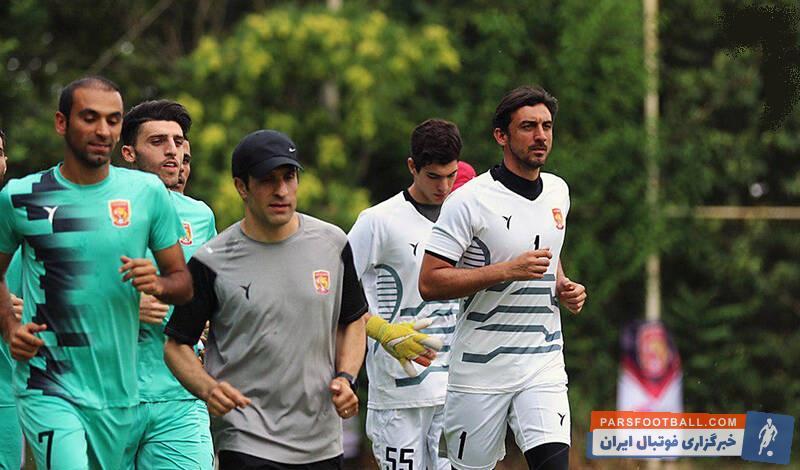 تمرینات تیم پدیده با حضور یحیی گلمحمدی آغاز شد. هواداران مشهدی با تشویق یحیی گلمحمدی و سیدمهدی رحمتی استقبال خوبی از او به عمل آوردند.