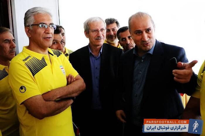 مهدی تاج رئیس فدراسیون فوتبال به همراه حیدر بهاروند رئیس سازمان لیگ و هدایت ممبینی امروز در کلاس حرفهای مربیگری حاضر شدند.