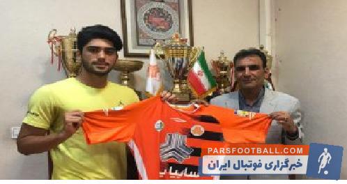 امیر مهدی جانملکی سابقه حضور در تراکتورسازی را دارد امیر مهدی جانملکی با  توافق با مسؤولان باشگاه سایپا، قراردادی سه ساله با نارنجی پوشان امضاء کرد.