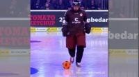 تصاویری جالب از فوتبال در زمین هاکی روی یخ