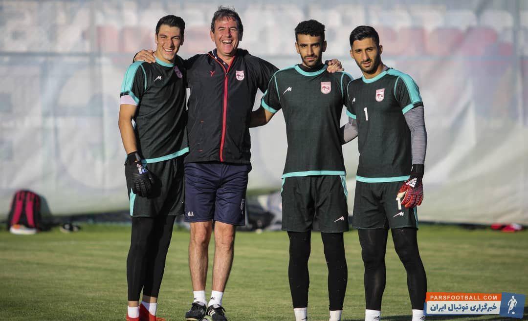 پس از انتخاب مصطفی دنیزلی به عنوان سرمربی فصل آینده تراکتور، این مربی ترک تبار، مراد آیهان آیدین را به عنوان مربی دروازه بانان تیمش انتخاب کرد.
