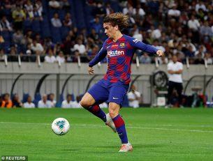 بارسلونا با هدایت والورده در دیداری دوستانه مقابل چلسی با نتیجه 2-1 شکست خورد و گریزمان در این دیدار برای اولین بار برای آبی و اناری ها به میدان رفت.