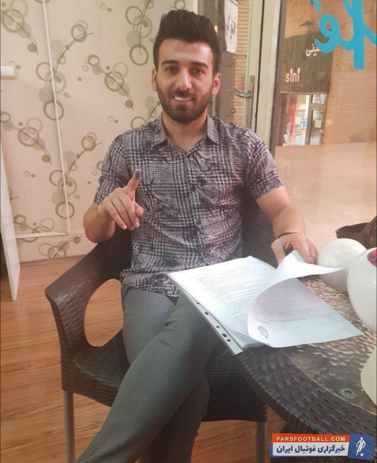 هادی حبیبی نژاد برای انجام خدمت سربازی به تیم ملوان بندرانزلی پیوست هادی حبیبی نژاد سابقه بازی در تیم های فولاد خوزستان و بادران تهران را در کارنامه دارد.