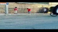 والیبال ؛ انجام بازی والیبال از سوی کودکان ایرانی در سطح خیابان ؛ خبرگزاری پارس فوتبال