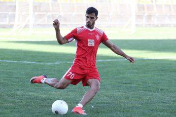 کشمکش های علی علیپور و باشگاه پرسپولیس حالا به پایان رسیده و علی علیپور حداقل یک سال دیگر در جمع سرخپوشان خواهد ماند.
