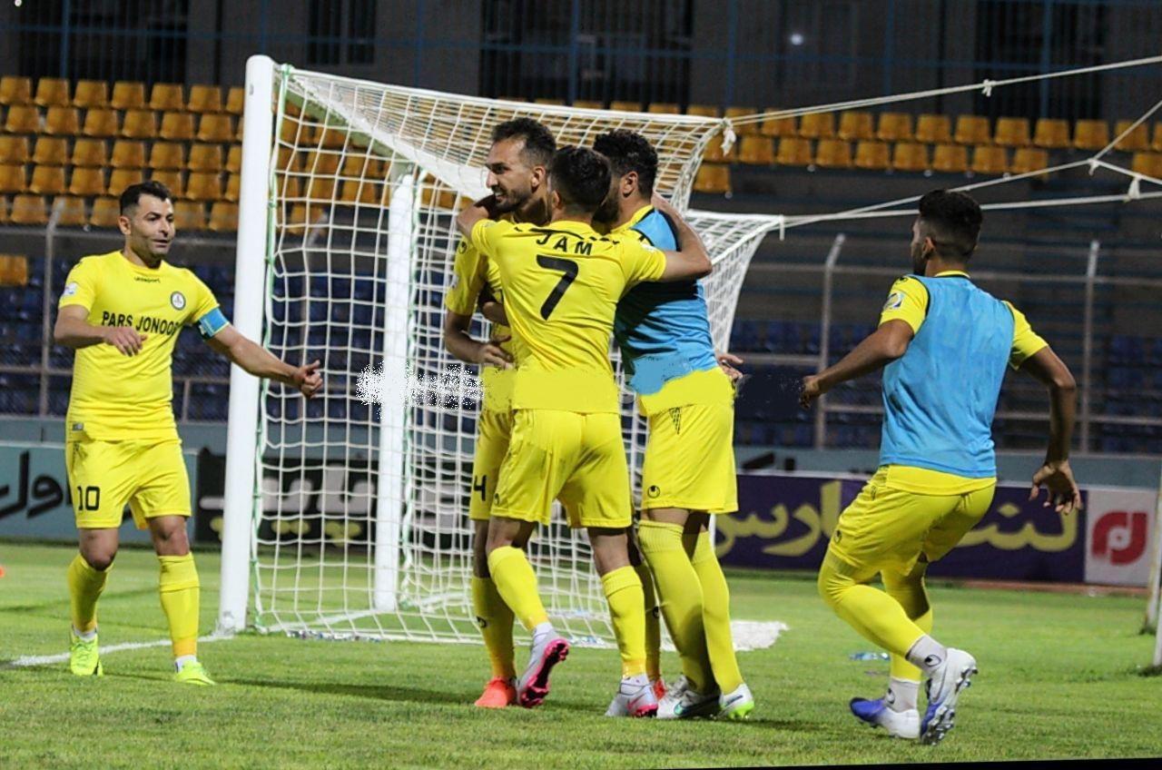 در جریان بازی روز گذشته گل گهر سیرجان و پارس جنوبی جم محمد نوری تنها ثانیه هایی بعد از حضور در زمین برای تیمش گلزنی کرد.