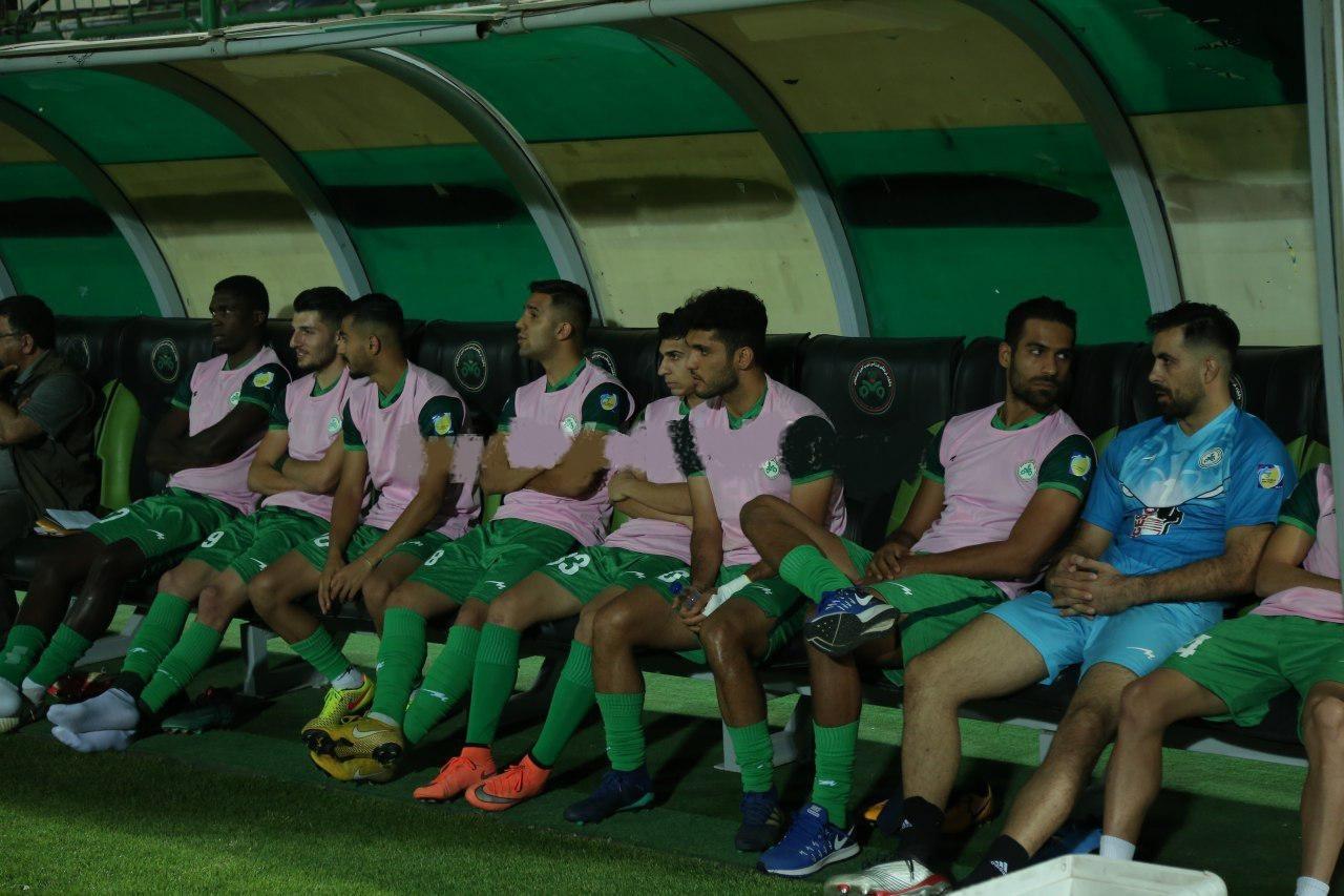 اگرچه محمد باقر صادقی در هفته اول لیگ برتر مقابل سایپا در ترکیب ذوب آهن قرار گرفت و پیش بینی می شد تا پایان فصل گلر اول تیمش باشد.