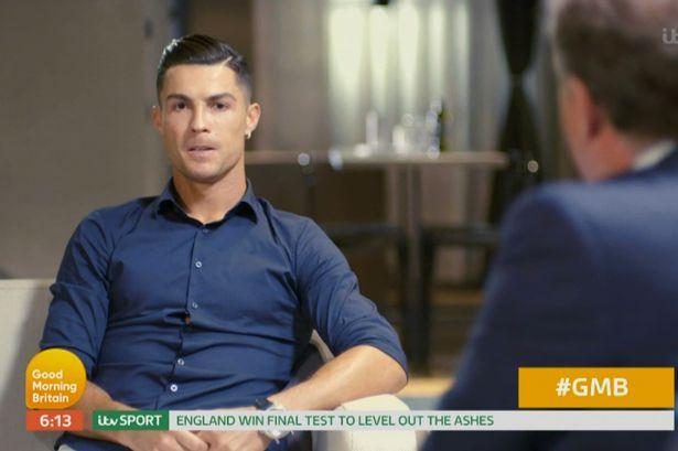 رونالدو میگوید رقابتی که دوست دارد در آن بتواند مسی را شکست دهد رکورد تعداد توپهای طلا است رونالدو و مسی در حال حاضر هر دو پنج بار صاحب توپ طلا شدهاند.