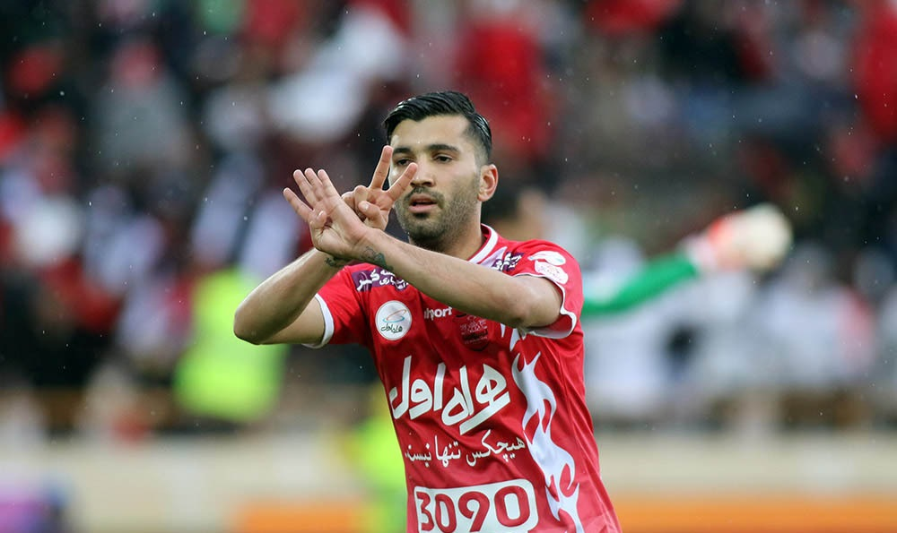 در فصل ششم پرسپولیس با هدایت مصطفی دنیزلی موفق شد بازی باخته را با برد به اتمام برساند. گل دوم و برتری تیم را مرحوم مهرداد اولادی به ثمر رساند.