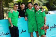 در این تمرین وحید هاشمیان همچنین مرتضی پورعلی گنجی دقایقی در کنار اعضای تیم امید حضور یافتند و خصوصا با مربیان و بازیکنان گفت و گو کردند.