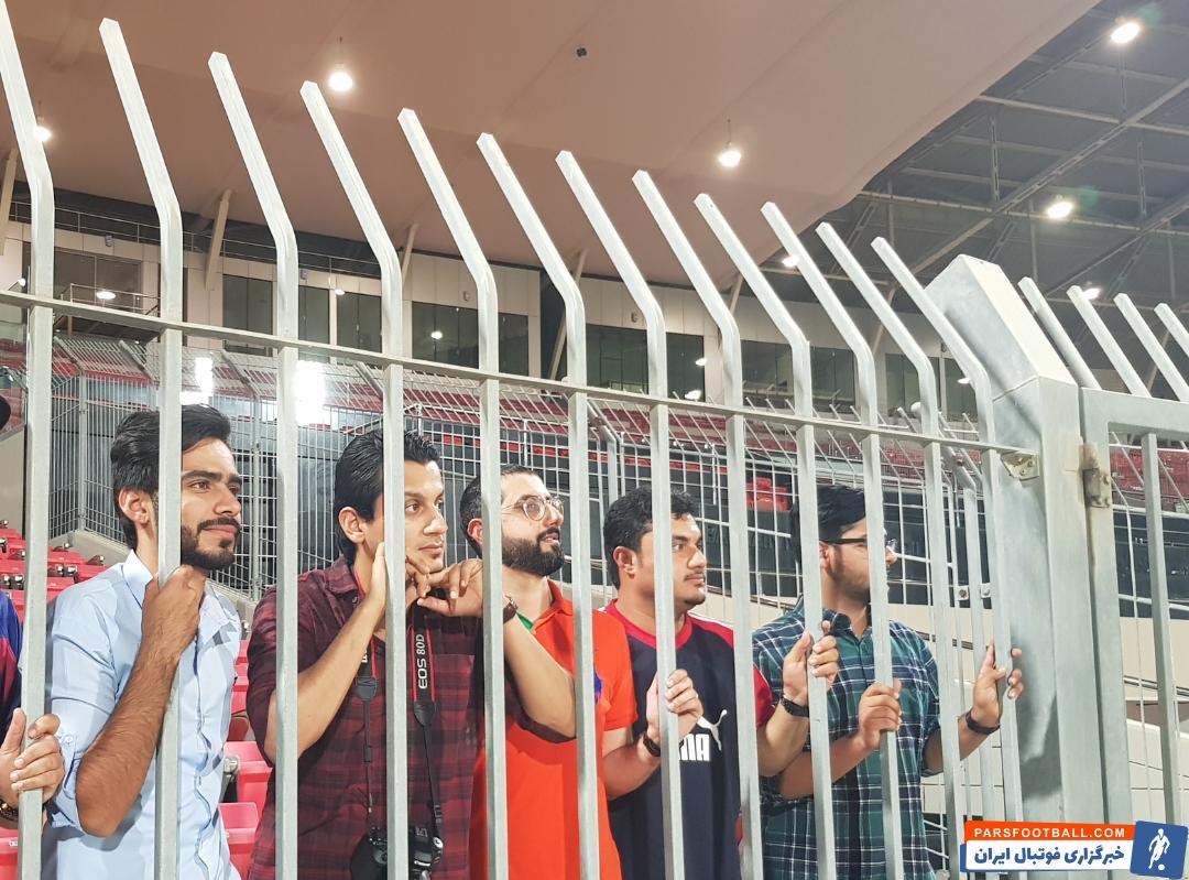 آخرین تمرین تیم ملی قبل از رویارویی با تیم ملی بحرین شب گذشته در ورزشگاه منامه برگزار شد و بازیکنان زیر نظر مارک ویلموتس آخرین نکات تاکتیکی را مرور کردند.